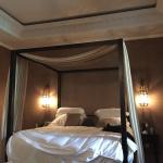 Huge fourposter king size bed - junior suite room 4