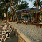 Grand Cabana Ko Chang: Lounge chair by the beach