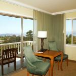 Photo de BEST WESTERN PLUS Carmel Bay View Inn