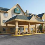 Photo of La Quinta Inn & Suites Bolingbrook