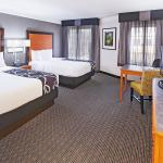 La Quinta Inn & Suites Dallas Addison Galleria