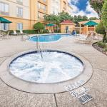 Photo of La Quinta Inn & Suites Dallas Arlington South