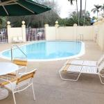 Photo of La Quinta Inn & Suites Miami Cutler Ridge