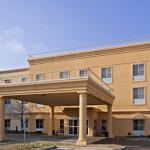 Photo of La Quinta Inn & Suites Chicago North Shore