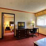 Photo de Days Inn and Suites Madison Heights
