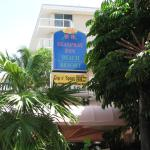 Photo de SeaSpray Inn Beach Resort
