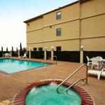 Photo de BEST WESTERN PLUS Denton Inn & Suites