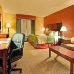BEST WESTERN PLUS Denton Inn & Suites Foto