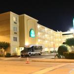 Photo of La Quinta Inn & Suites Austin Capitol