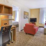 Photo de TownePlace Suites Raleigh Cary/Weston Parkway