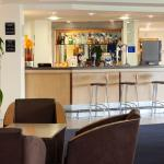 Photo de Holiday Inn Express Cardiff Airport