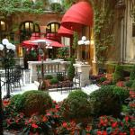 Photo of Hotel Plaza Athenee