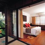 Outrigger Phi Phi Island Resort And Spa