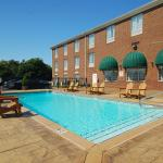 Photo de Holiday Inn Express Hotel & Suites Warrenton