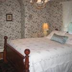 Photo of Hilltop House  Bed & Breakfast
