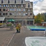 Mountain Side Hotel Whistler by Executive Foto