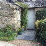 Well Cottage - Welcoming entrance