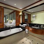 Marriott Photo of with Luxurious Tub and Aroma Therapy Products