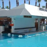 Sirena Swim Up Pool Bar