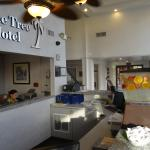 Photo de BEST WESTERN Date Tree Hotel