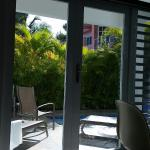 Foto de Villa Tropical Oceanfront Apartments on Shacks Beach