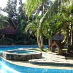 Photo de Alona Tropical Beach Resort