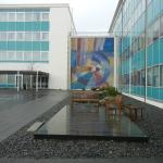 cool outdoor space & artwork