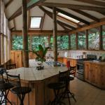 casa mariposa dining/kitchen area