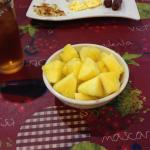 I asked for a small bowl of pineapple��