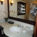 Honeymoon Hideaway VIlla Bathroom