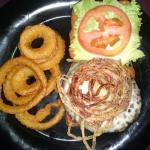 Wine burger with onion rings
