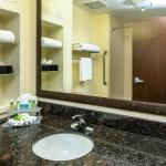 Photo de Holiday Inn Express Hotel & Suites Orlando-Apopka