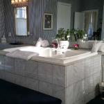 Double Jacuzzi in Boucher Suite