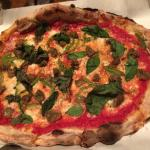 Meatball pizza with green pepper instead of onion and mozzarella instead of ricotta cheese - del