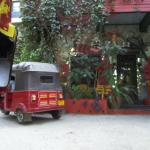 Arrival by Tuk Tuk ... up the hill from the town ... the only way to travel!
