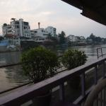 Photo de Ayothaya Riverside Hotel