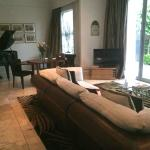 Premier suite 3 - living room and piano