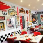 Roxy's Diner at The Rocks Hotel