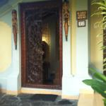 Entry to Bungalow 66