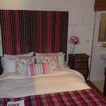 The Three Horseshoes Inn resmi