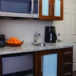 King Guest Room - Kitchen