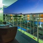 The Clarendon Hotel and Spa - Overlooking the Oasis Pool, Cabanas, Hydro Spa and Water Wall