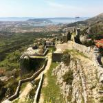 overview of the fortress wirh a view of Split at the rear