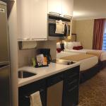 Good kitchenette with microwave, dishwasher, dishes/pots & pans for leftovers from restaurants