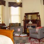 The Bennett House Bed and Breakfast resmi