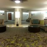 Lounge area by elevator