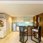 Two BedRoom Suite_Kitchen