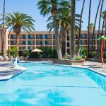 Ramada  Anaheim Maingate/At The Park