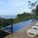 Photo de TikiVillas Rainforest Lodge