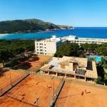 Photo de Hotel & Spa S'Entrador Playa